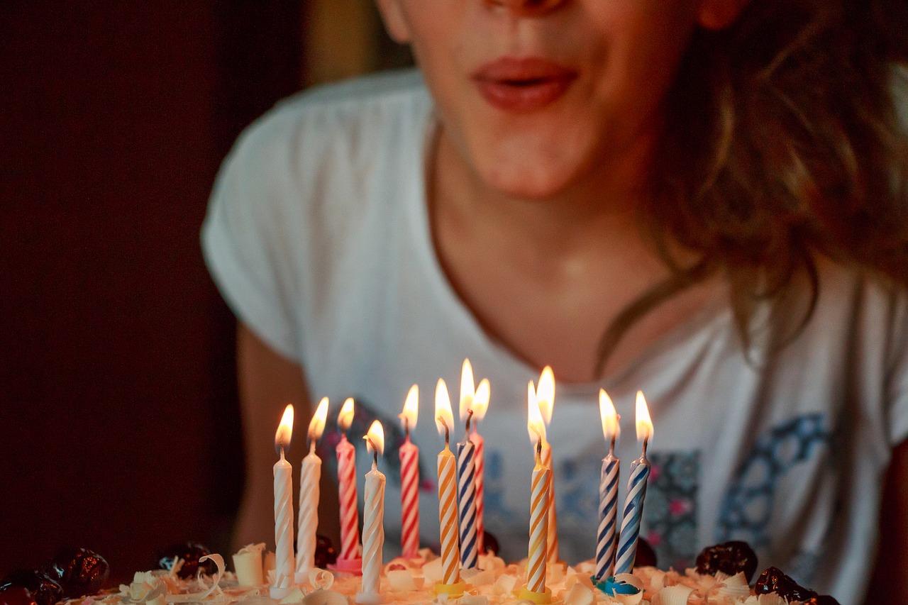 Własnoręcznie wykonany tort urodzinowy